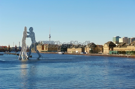 molecule men in the river spree