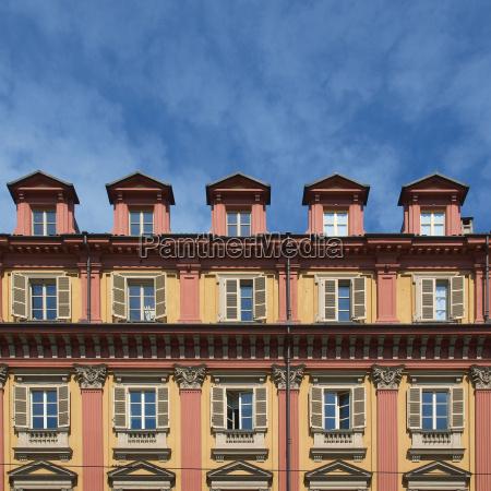 facciata antico vecchissimo piazza italia