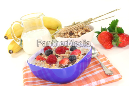 cereal with milk fresh fruits and