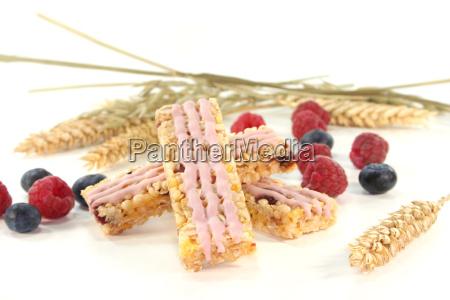 wild berries muesli bar