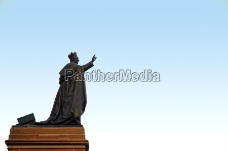 pope sculpture