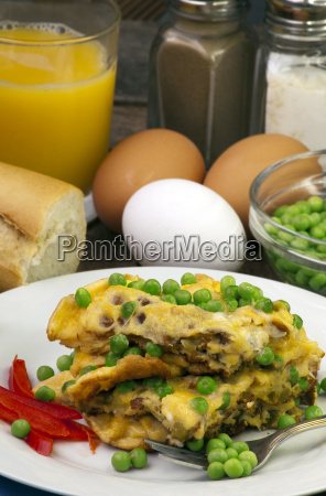 omelet with petits pois