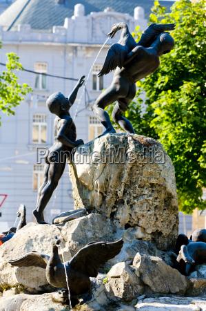 duck fountain safarikovo square bratislava slovakia