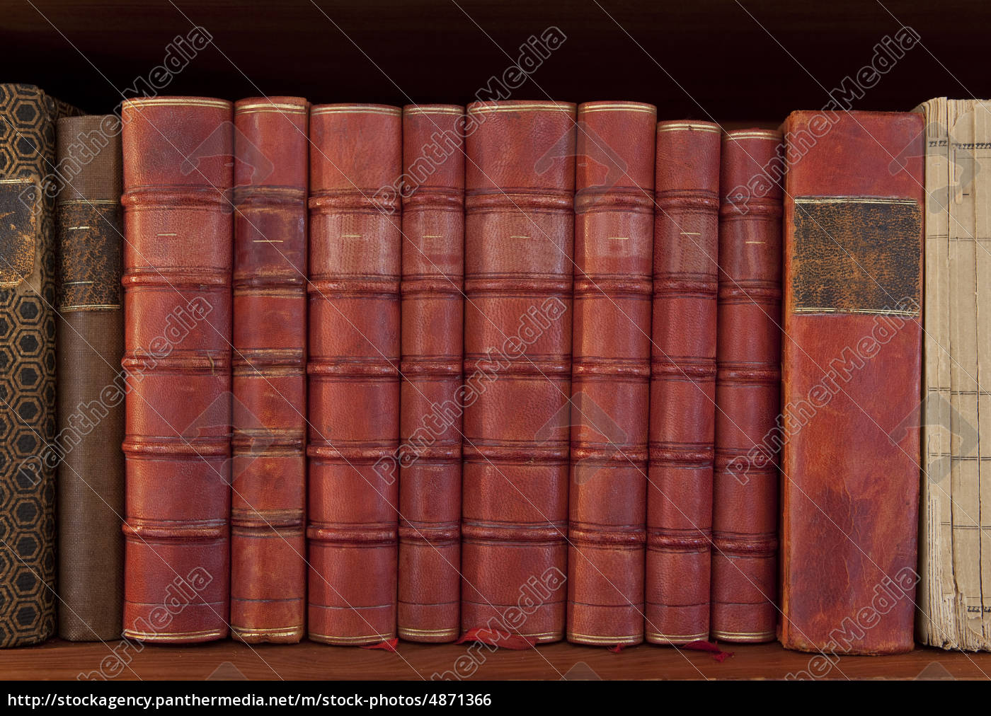 antique, books, in, a, row - 4871366