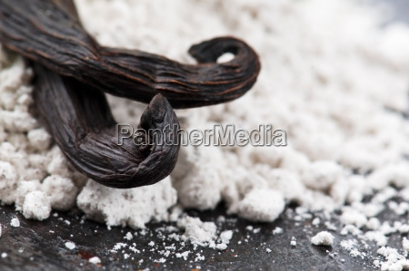 vanilla beans with aromatic sugar and