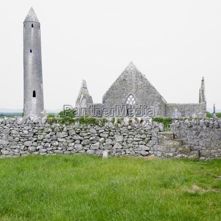 ruins of kilmacduagh monastery county galway