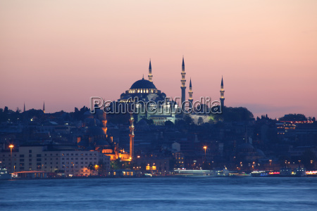 istanbul skyline in the evening turkey