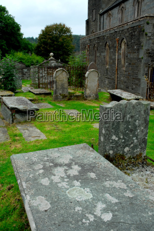 celtic graves