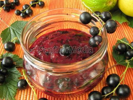 cold stirred black currant jam