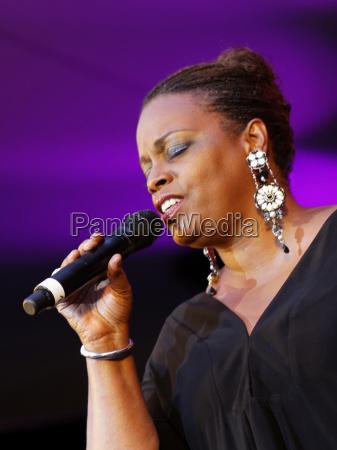 concert music songstress stuttgart jazz