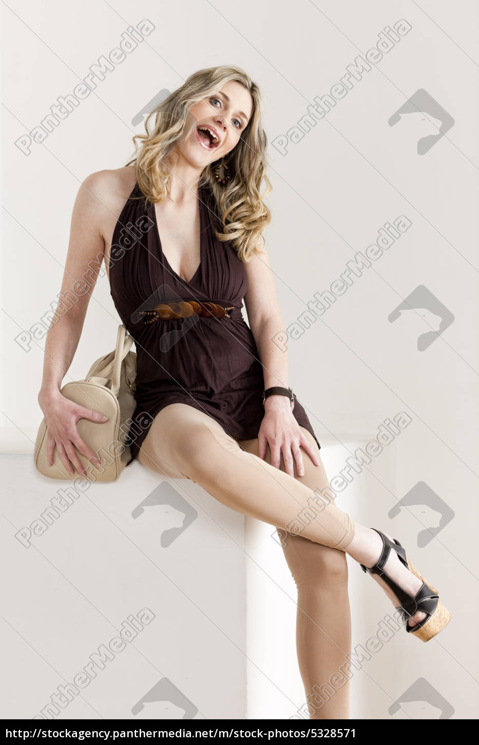 sitting, woman, wearing, summer, clothes, and - 5328571