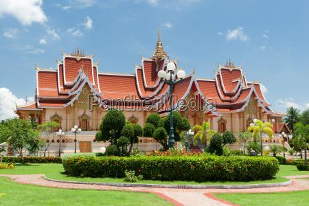 buddhist architecture vientiane