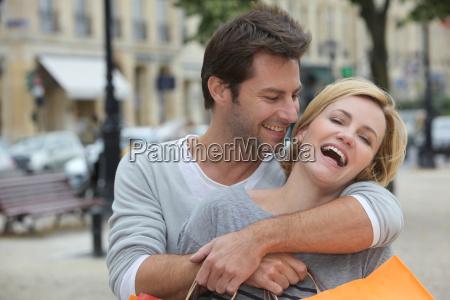 mujer femenino masculino compras excursion viaje