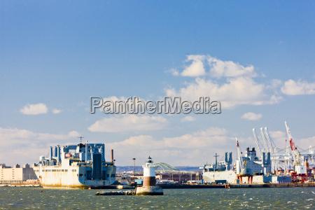 port in upper new york bay