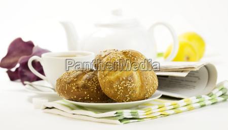 breakfast whith crusty french bread