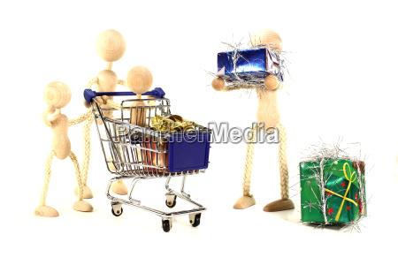 family, at, christmas, shopping - 5485420