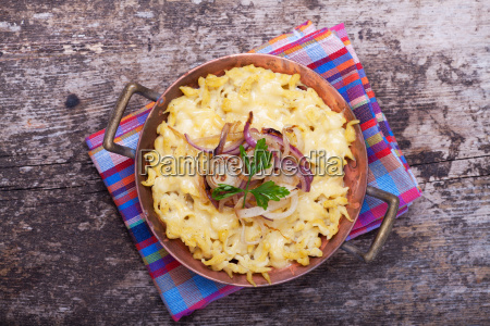 bavarian spaetzle with cheese