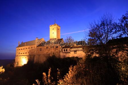 wartburg castle at night