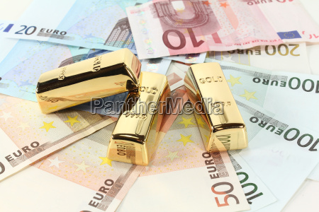 gold bars and euro