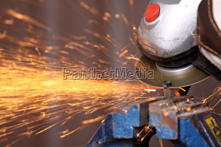 sparks on the power cutter