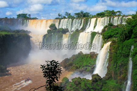 iguazu water falls in misiones province
