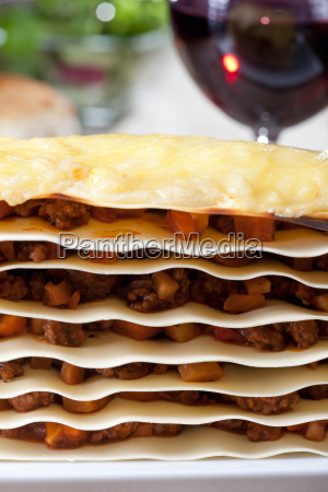 lasagna plates with sauce