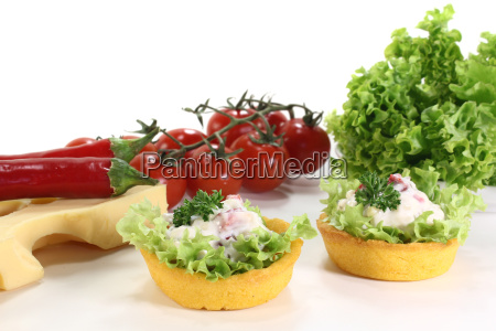 baked corn basket with cheese salad