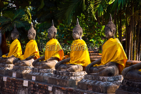 buddha statues at the temple of