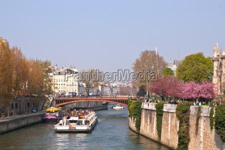 tourist cruise in river seine paris