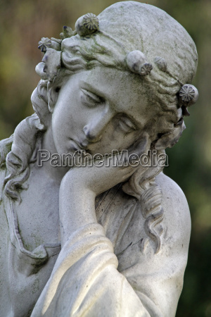 tomb statue of a mourning woman