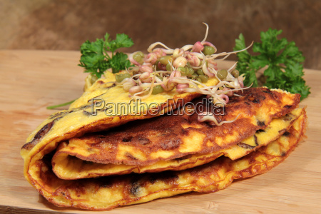 omelette with mushrooms and mung bean