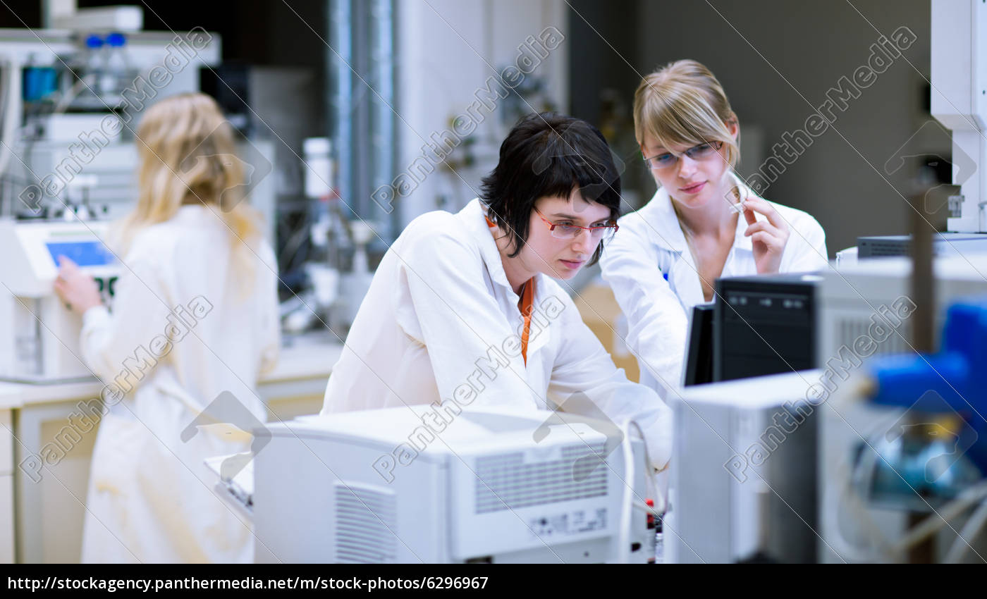 , female, researchers/chemistry, students, doing, research - 6296967