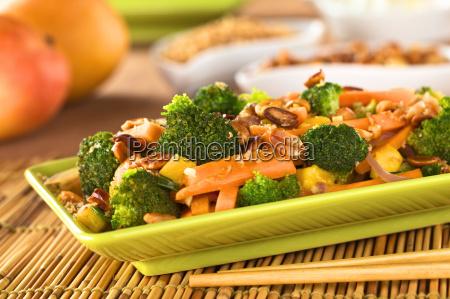 vegetable stir fry thai style