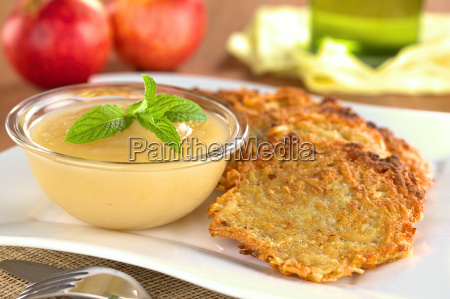 aeblemos og kartoffel aebleskiver