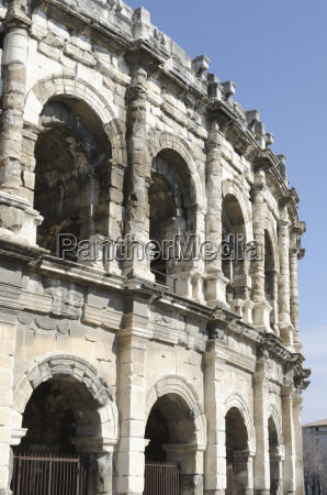 arena of nimes roman remains in