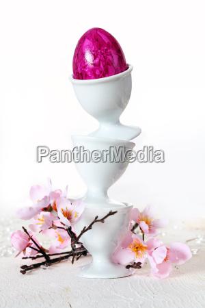 easter egg balancing act