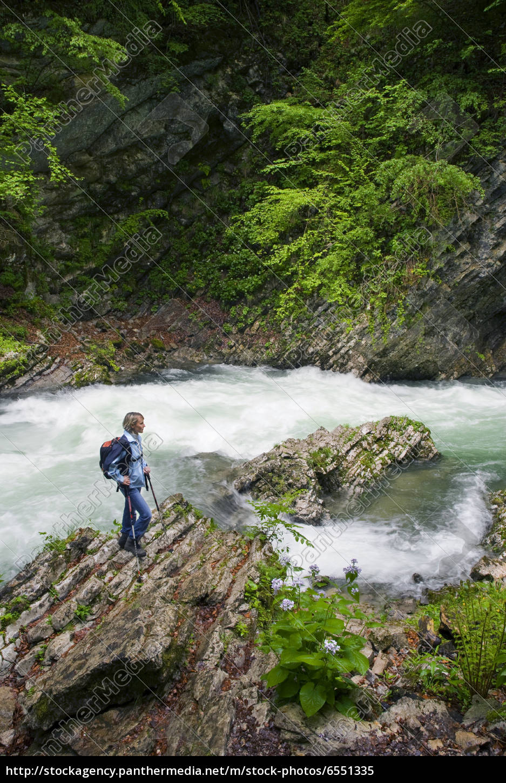 hiking - 6551335