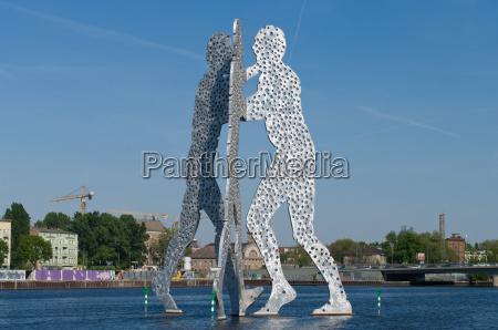 molecule man sculpture designed by american