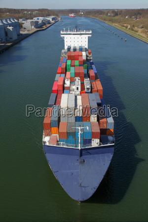 container ship birds