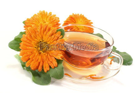 marigold tea with flowers
