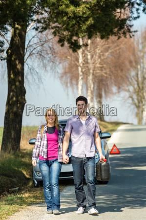 out of gas couple need petrol