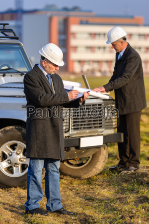 architect, man, make, notes, on, construction - 6777785