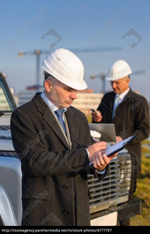architect, man, make, notes, on, construction - 6777797