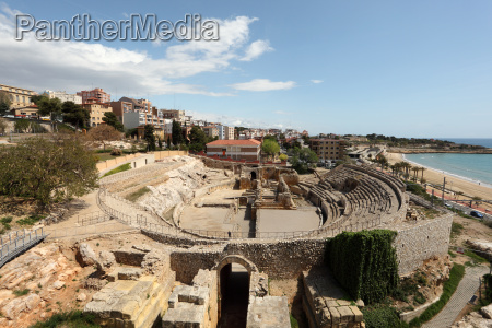 remains of the roman amphitheater in