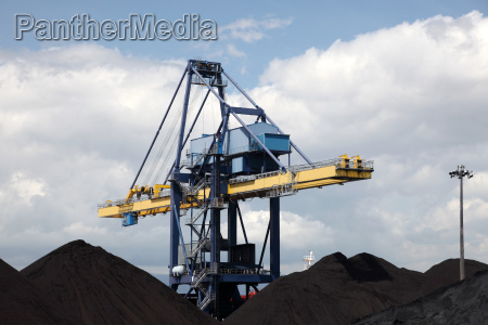 coal industry facilities at port