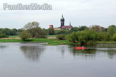 paddlers on the elbe at wittenberg