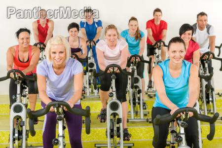 persone popolare uomo umano attivo formazione
