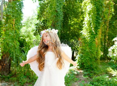 angel children girl open arms in