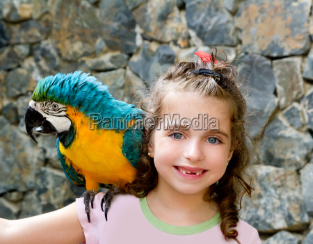 blue eyes child girl with yellow