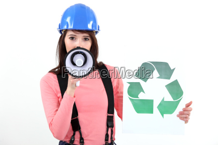 woman, promoting, recycling - 7074189